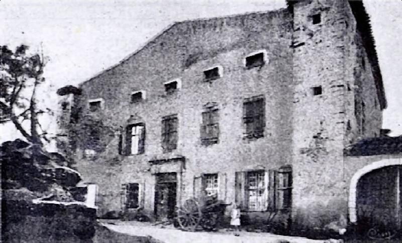 ajac_chateau_1900.jpg