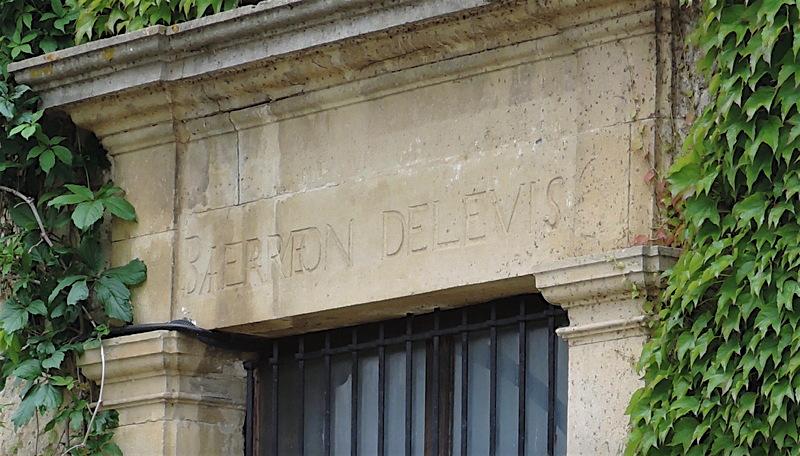 levis_ajac_chateau1.jpg