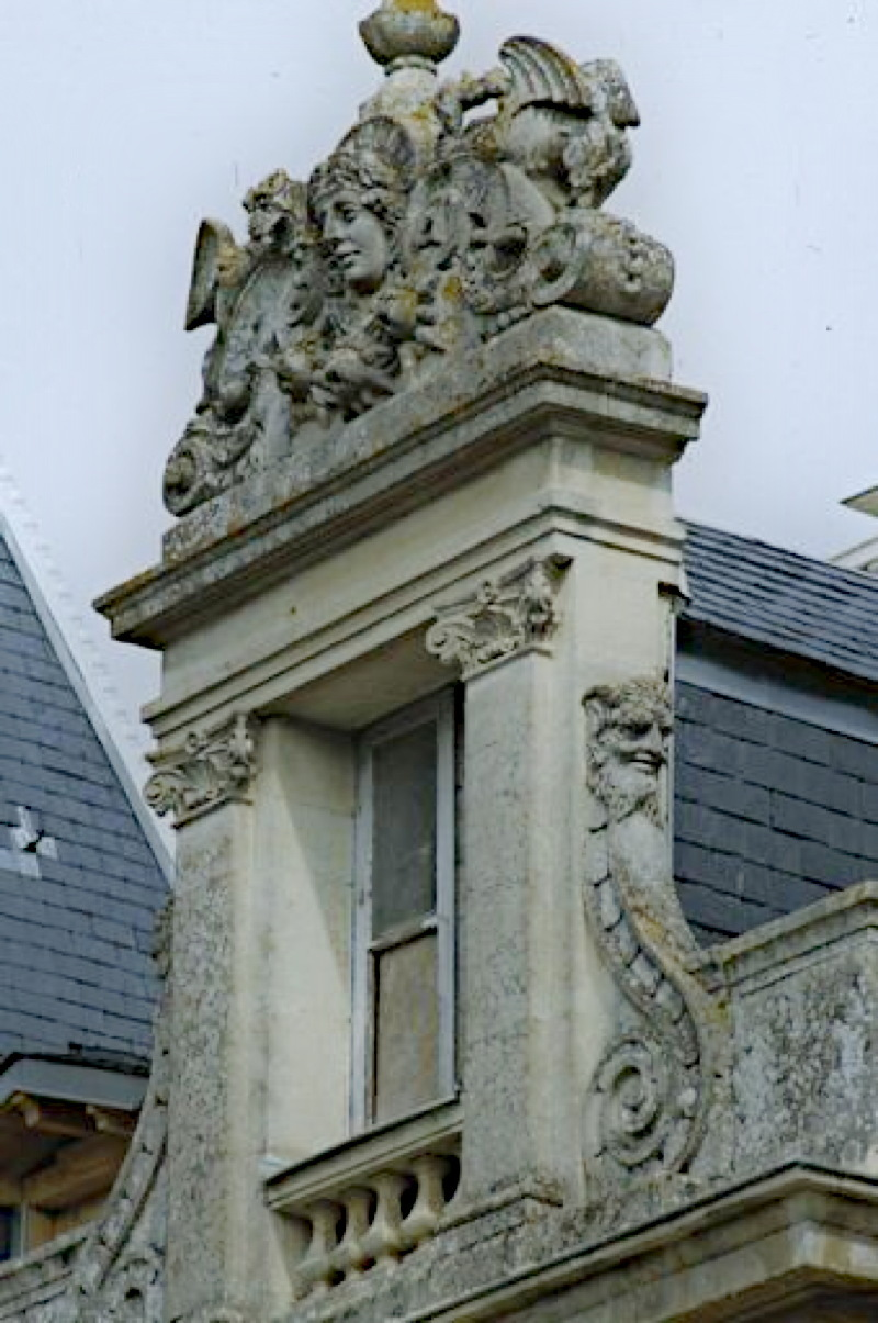 ardene_chateau2.jpg