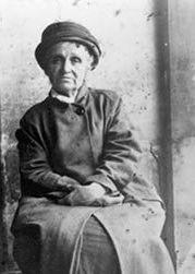 Camille Claudel sur sa chaise, à Montdevergues